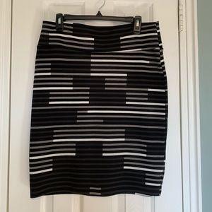 LulaRoe Large Cassie Black and White Pencil Skirt